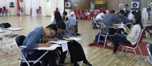 Pelajar Berkompetisi Pelajaran Kimia di BSD